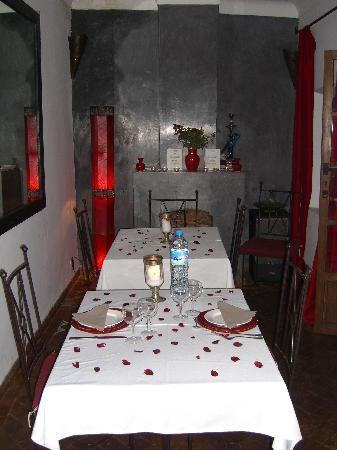 Riad Dar Zaman: The dining room