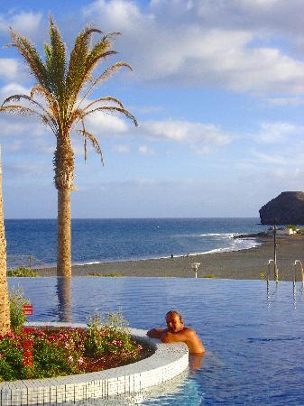 Playitas Hotel: Relax en la piscina.