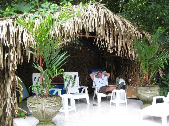 Hotel La Posada: Chillin' poolside