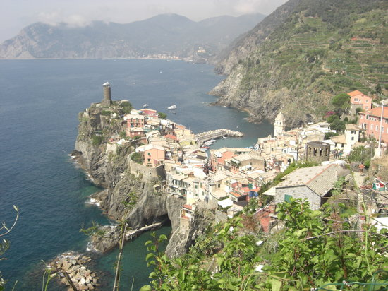 Manarola, Italy: Vernazza - hiking the walking path