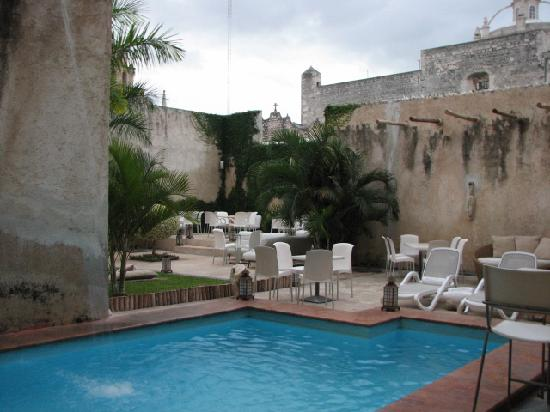 Foto de piedra de agua hotel boutique m rida la piscina - Lucia la piedra piscina ...