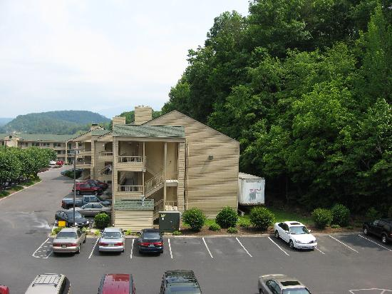 Comfort Inn & Suites at Dollywood Lane: Another view from balcony