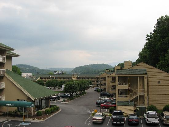 Comfort Inn & Suites at Dollywood Lane: Another view from our balcony