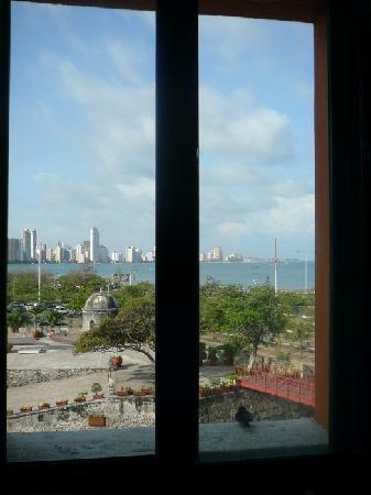 Charleston Cartagena Hotel Santa Teresa: View of Caribbean from shower, room 418