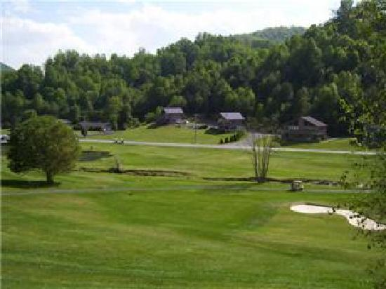 Willow Valley Resort : view towards clubhouse