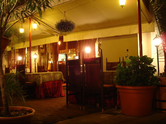 Alabardos Restaurant : Outside Dining Area