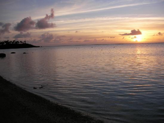 Aremango Guesthouse: Dawn at the beach