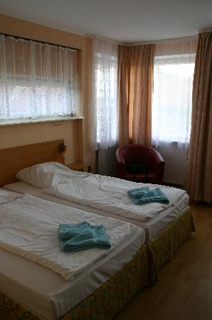 City-Pension Sanader: renoviertes Zimmer