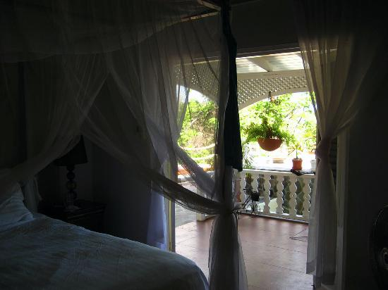 AQUA on Bequia: Bedroom of Passion Fruit Suite