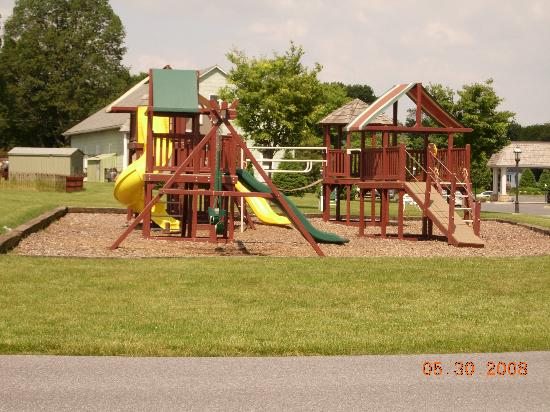 Bird-In-Hand Family Inn : the playground