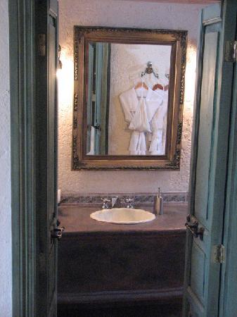 Villa Ganz: The bathroom