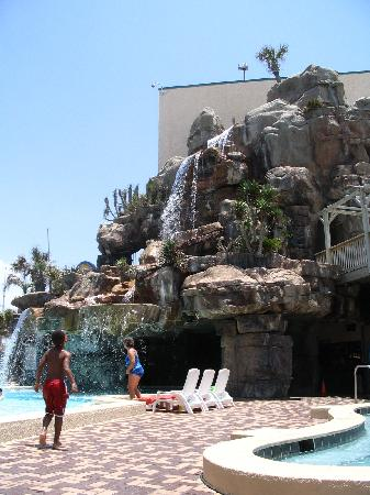 Days Inn Panama City Beach/Ocean Front: Poolside View of the 5-Story Waterfall