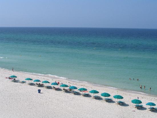 Days Inn Panama City Beach/Ocean Front: Calm Waters - The Beach (Morning-Time)