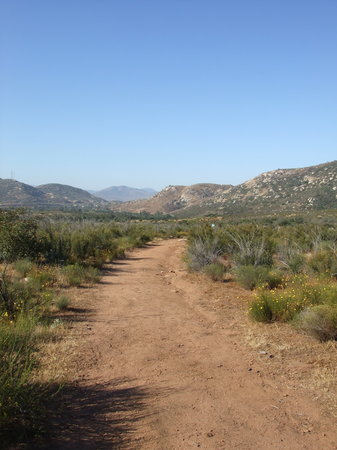 Tecate, Mexico: breakfast hike