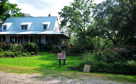 Roses And The River Bed And Breakfast Brazoria Tx