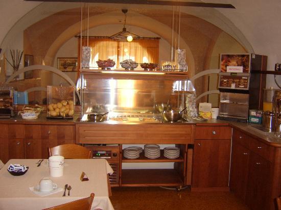Hotel Sirena: The Breakfast Room