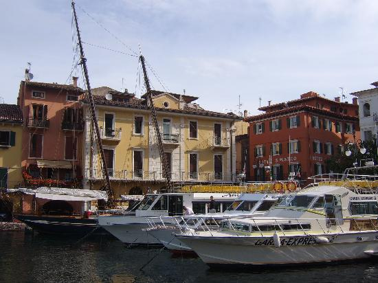 Hotel Sirena: A nice harbour to sit by