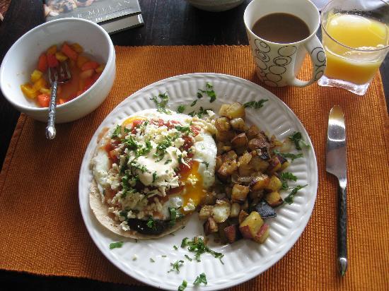 Casa Bella Rita Boutique Bed & Breakfast: mmm breakfast!