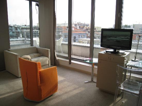 Design Hotel Josef Prague: Rm806 sitting area w a sofabed