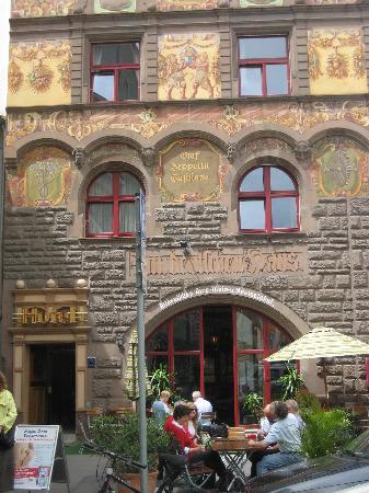 Hotel Restaurant Graf Zeppelin: The outside of the hotel