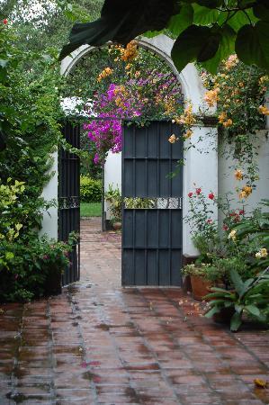 El Bordo, Argentina: Courtyard door to the garden