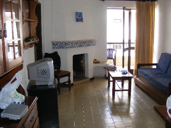 Elma Apartments: Sitting Room with Fireplace!!