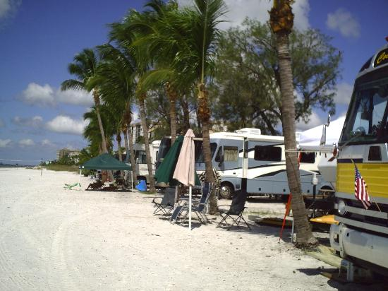 Red Coconut RV Park: Beach Front Sites