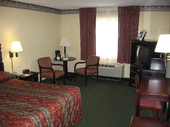 BEST WESTERN Mountaineer Inn: Room, 1st view