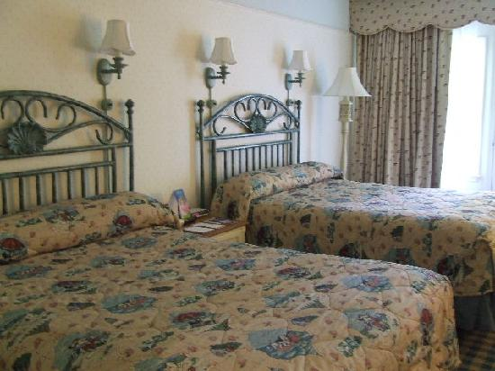Disney's Beach Club Resort: beds in room 3524