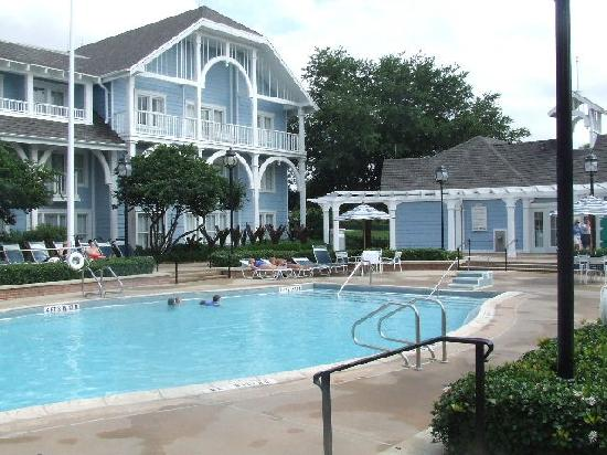 Disney's Beach Club Resort: quiet pool
