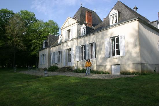 Domaine De Chatenay: Front view