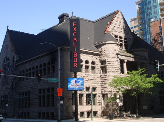 Supernatural Chicago : The Excalibur on Ontario St