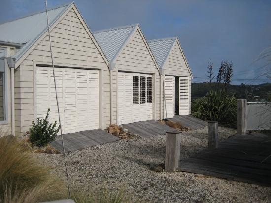 The Boatshed: The 3 boatshed rooms