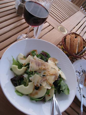 Vencia Hotel: Rocket Salad and Wine at Vencia