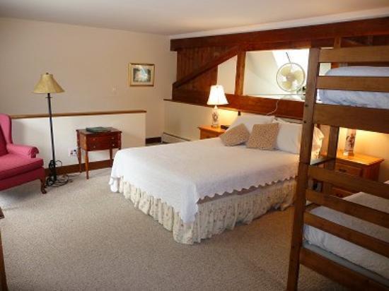 Wildflower Inn: One room suite