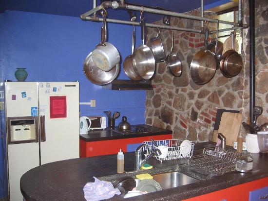 Sierra Hot Springs Resort & Retreat Center: Communal Kitchen