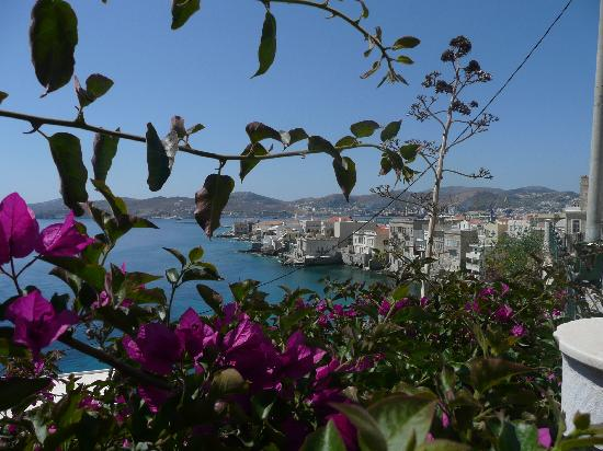 Hermoupolis, Grecia: View towards Port