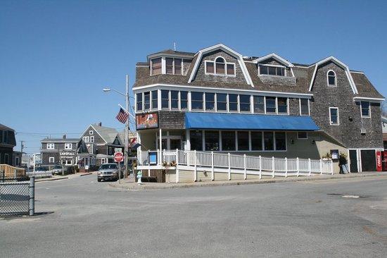 Lee Side Bar & Grill
