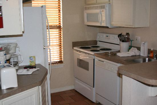 Sheridan, IL: kitchen