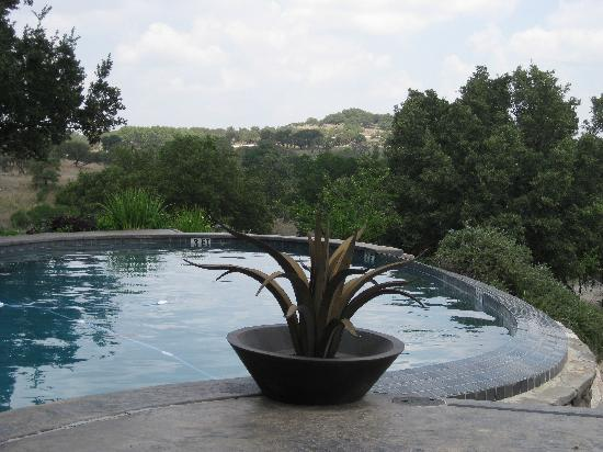 Paniolo Ranch Bed & Breakfast Spa: Main Ranch House Pool view