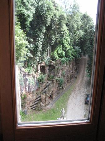 Sofitel Rome Villa Borghese: View outside my big window