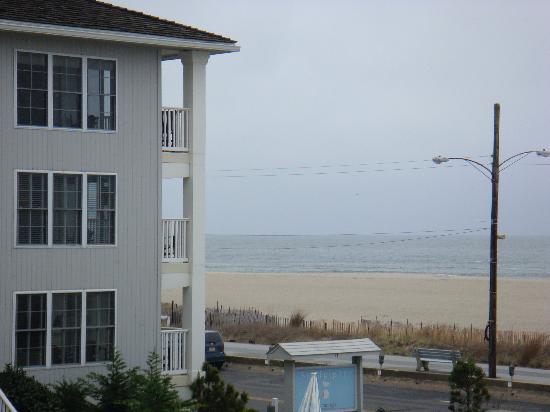 Sandpiper Beach Resort: View from 2nd floor balcony