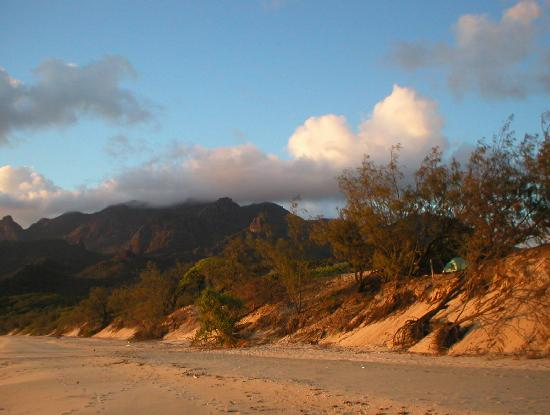 Hinchinbrook Island: ramsey bay beach campsite