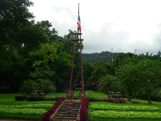 Chae Son National Park: Gardens and Thai Flag