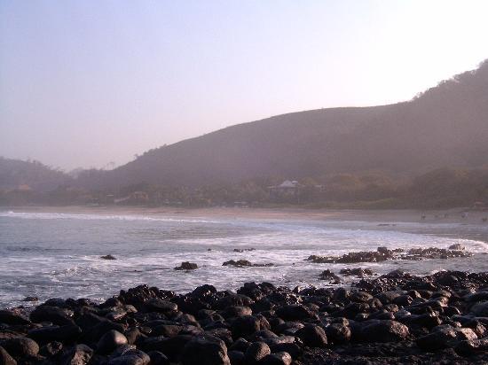 Hacienda Eden: Vista del hotel desde la playa