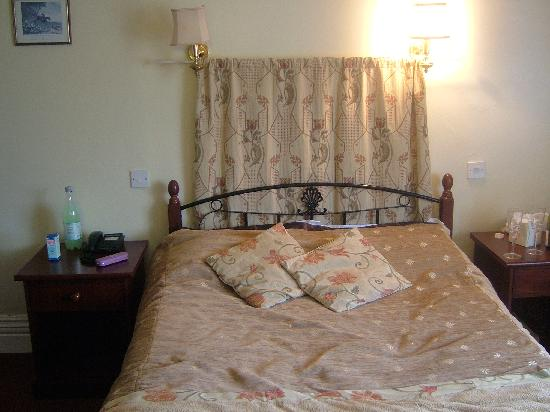 The Station Hotel: double bedroom