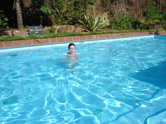 Casa Susegad: Chilling in the pool