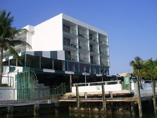 Best Western On The Bay Inn & Marina: Location as seen from dockside