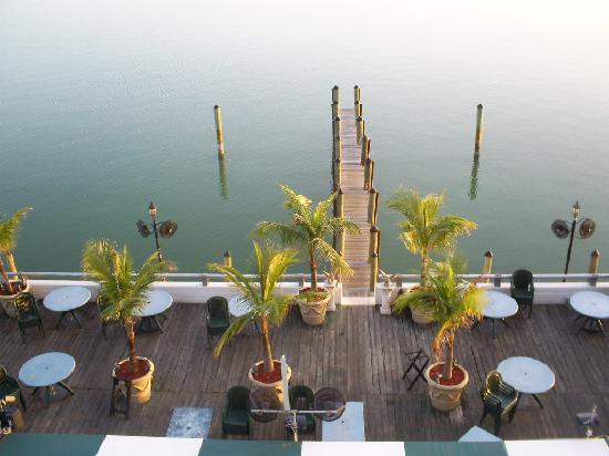 Best Western On The Bay Inn & Marina: Shucker's as seen from our balcony
