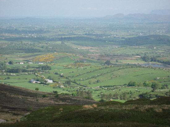 Hillcrest Bed and Breakfast: View from Carrowkeel Passage Tombs
